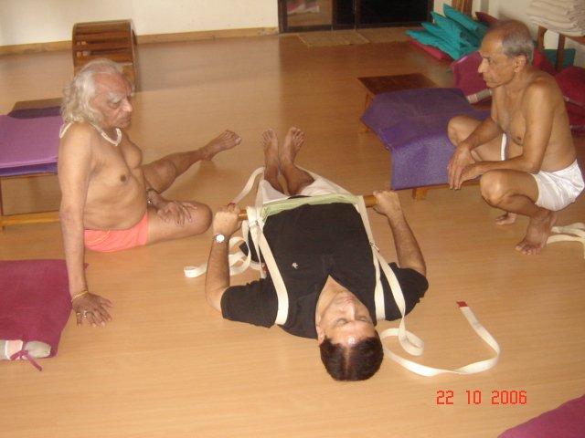Yoga-At-KARE